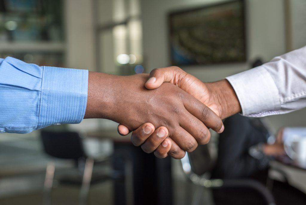 ビジネス上の信頼できる握手